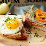 Toast mit Surbraten und Bergkäse