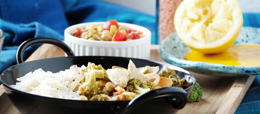 Curry mit Huhn und Kichererbsensalat