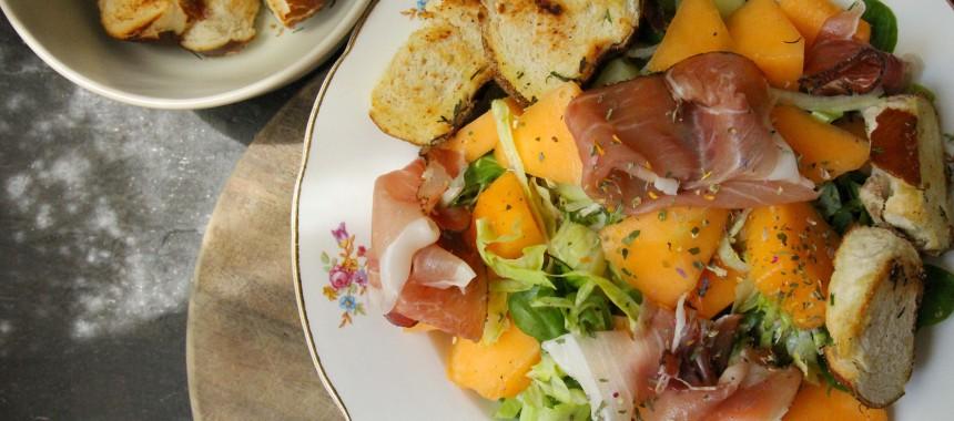 Melonensalat mit Schinkenspeck