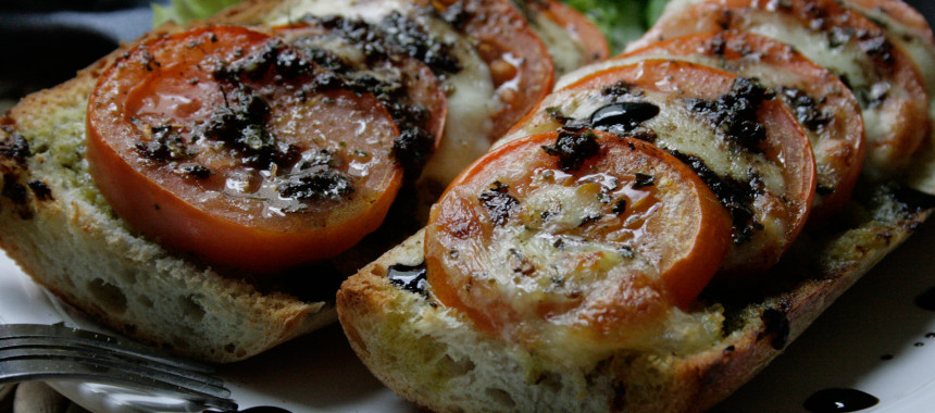 Tomaten-Mozzarella Baguette