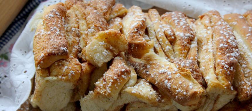 Süßes Zupfbrot mit Zimt und gebräunter Butter